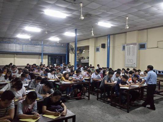 Học lý thuyết ở trung tâm đào tạo lái xe quận Tân Bình